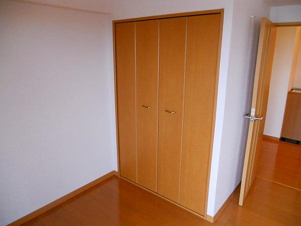 プリミエール八田Ⅱ 302号室の収納