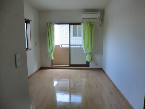 プリミエール・レンナ 201号室のその他