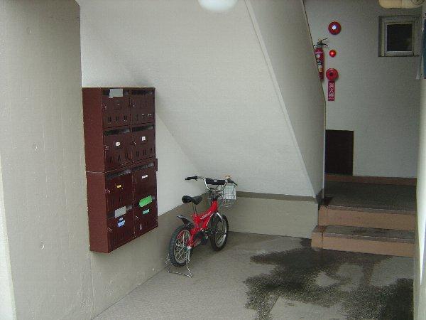 柏原農住団地S棟 2D号室のロビー