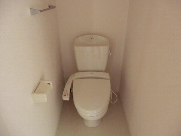 ル・クプル A棟・B棟 B201号室のトイレ