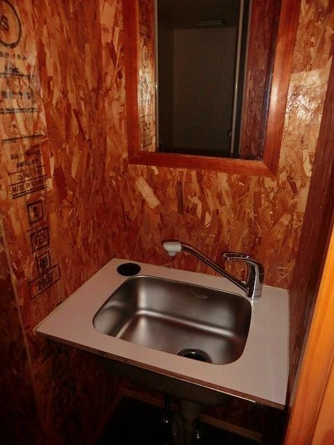 コーポ大島 2A号室の洗面所