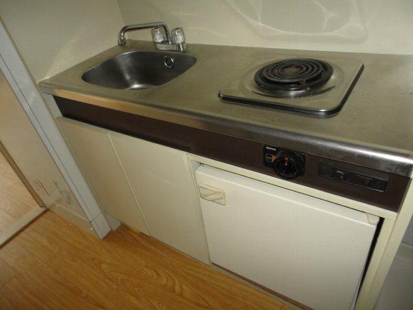 ヒルズ喜多山 405号室のキッチン
