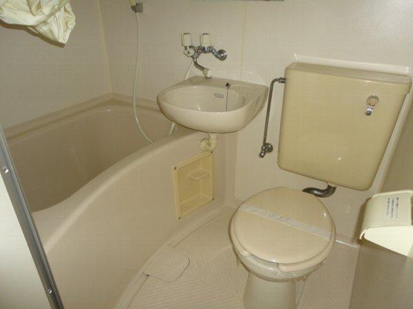 ヒルズ喜多山 405号室の風呂