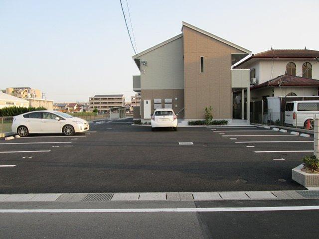 アーク野田 102号室の駐車場