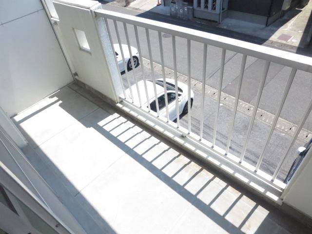 第2サンハイツ戸崎 205号室のバルコニー