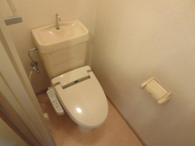 第2サンハイツ戸崎 205号室のトイレ