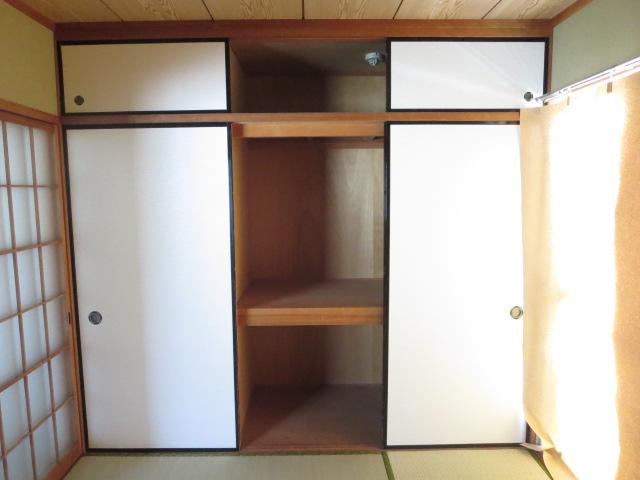 第2サンハイツ戸崎 205号室の収納