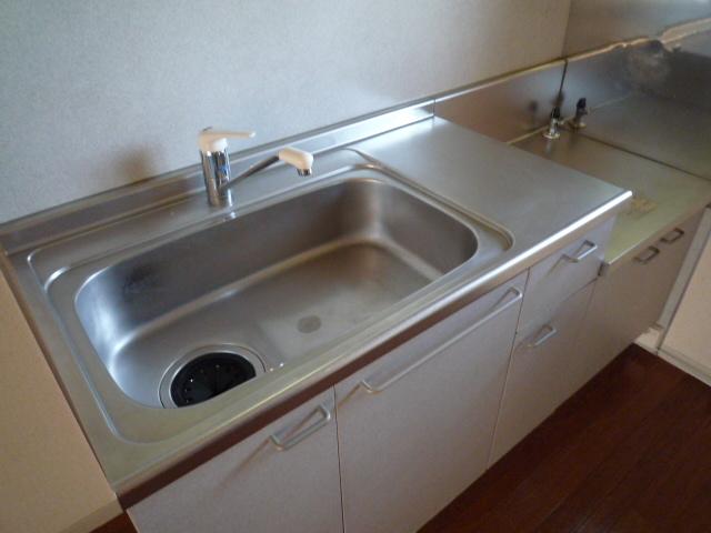 リバーサイド高田A 103号室のキッチン