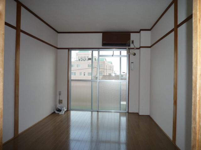 ハイツ堀田 503号室の居室