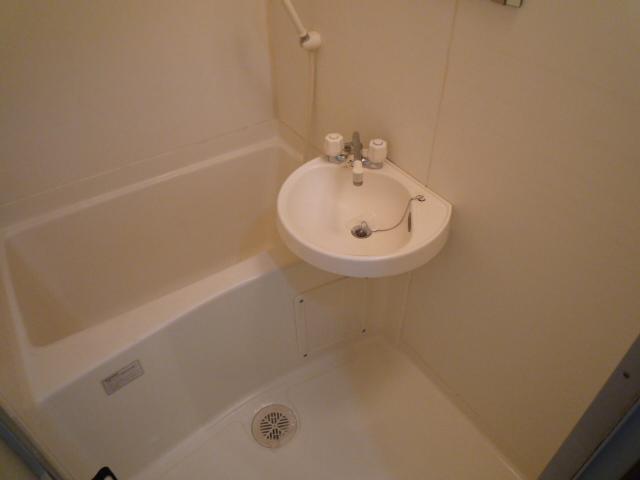 サープラスワン サザンクロス 102号室の風呂