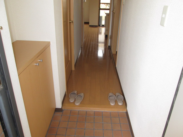 メゾンパラディ 2C号室の玄関