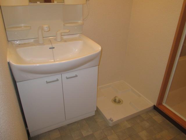 メゾンパラディ 2C号室の洗面所