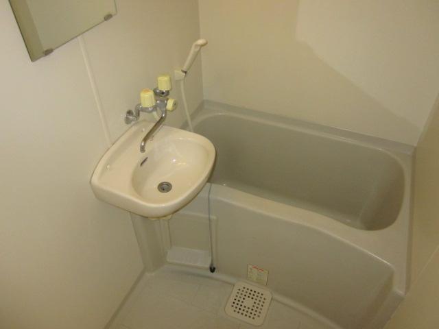 いずみⅡ 201号室の風呂