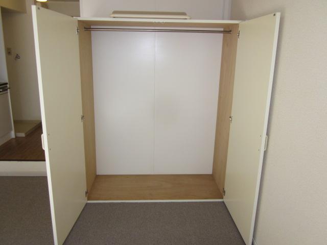 いずみⅡ 201号室の収納