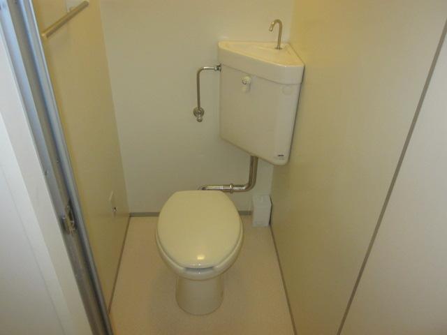 いずみⅡ 201号室のトイレ