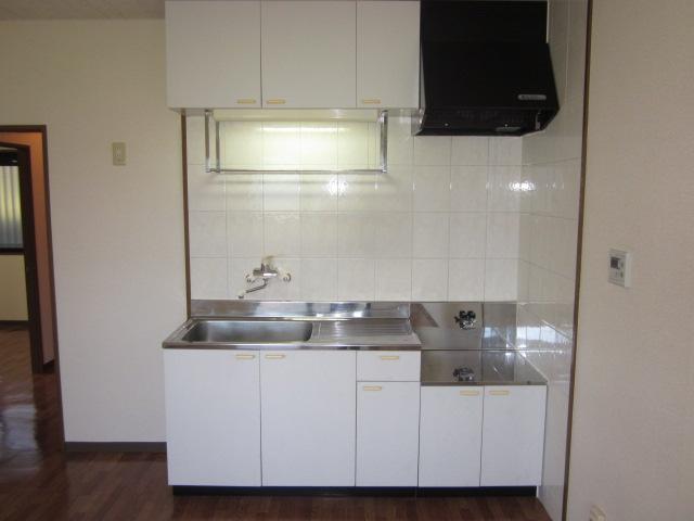 コアロードⅠ 102号室のキッチン