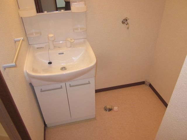 コアロードⅠ 102号室の洗面所