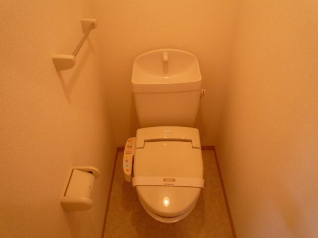 Villa Foresta B 202号室のトイレ