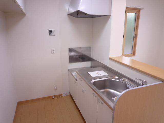 Villa Foresta B 202号室のキッチン
