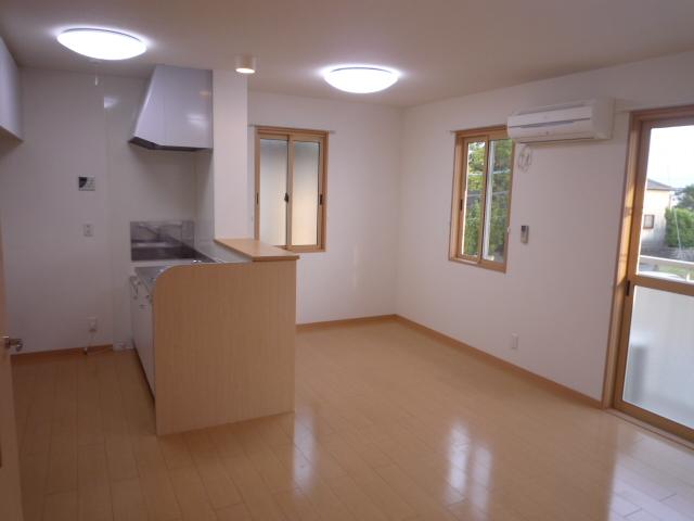 Villa Foresta B 202号室のリビング