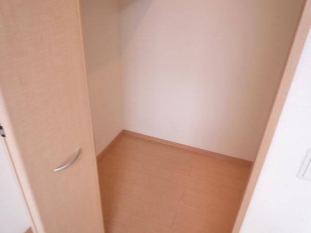 Villa Foresta B 202号室の収納