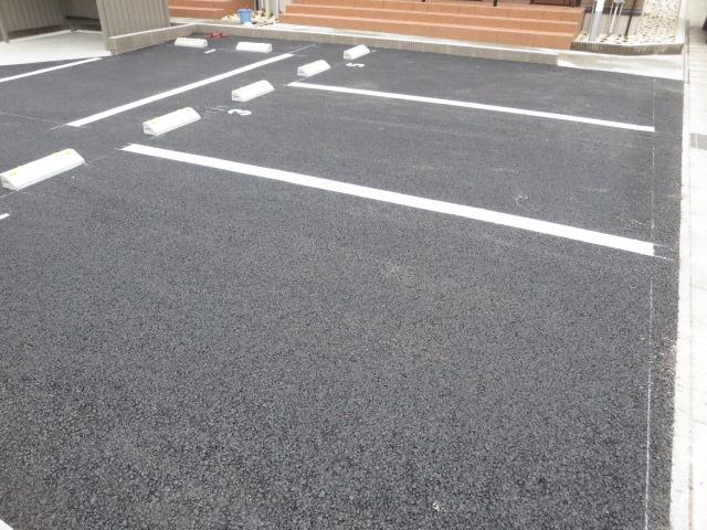 メゾンプラネット 202号室の駐車場