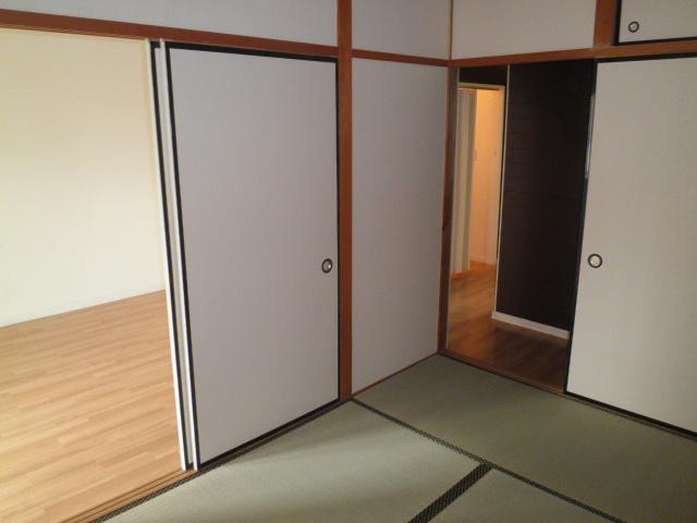 山久ビル 201号室のリビング