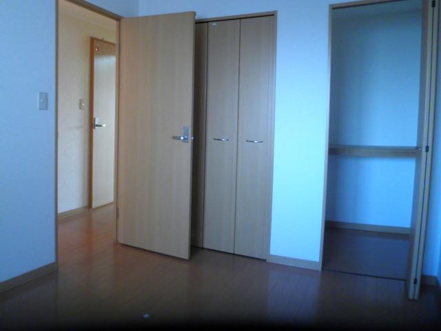ルミエール 401号室のベッドルーム