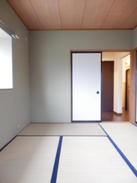 カームハイツ Ⅱ 101号室のベッドルーム