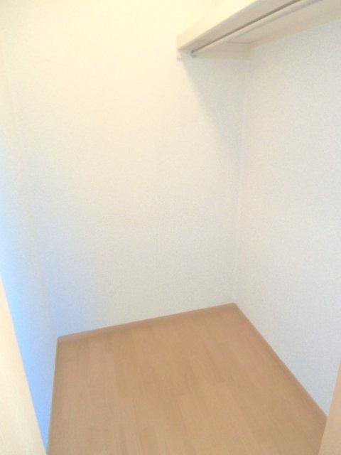 グランシャリオⅡ A 202号室の収納