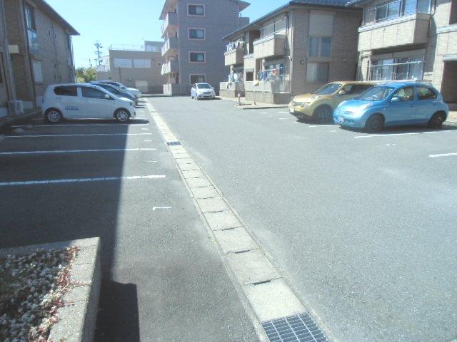グランシャリオⅡ A 202号室の駐車場