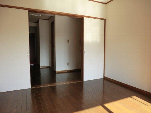第2富士ハイツ 202号室のリビング