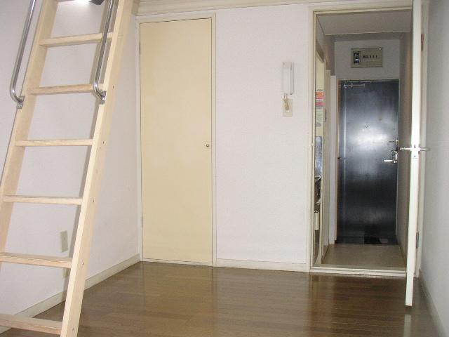 レオパレス港南中央 103号室のベッドルーム