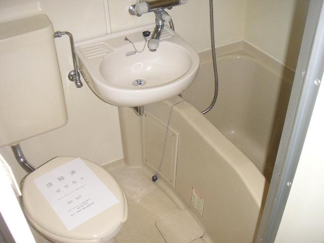 レオパレス港南中央 103号室の風呂
