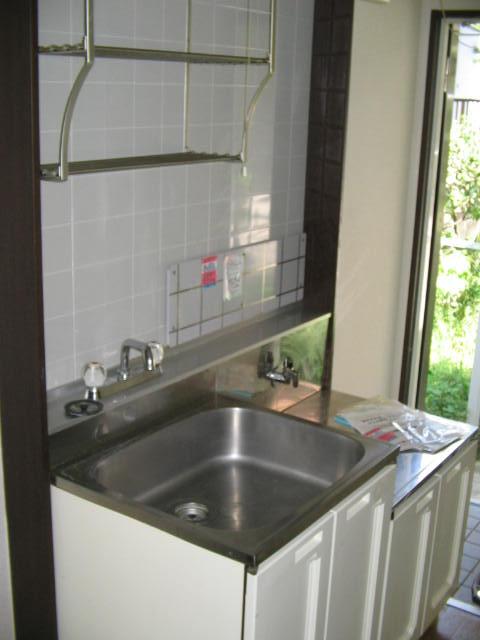 ジュネス上倉田 103号室のキッチン