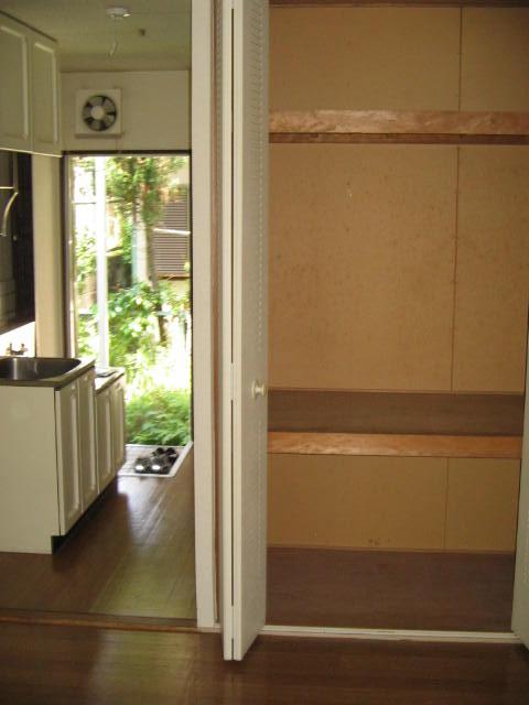 ジュネス上倉田 103号室の収納