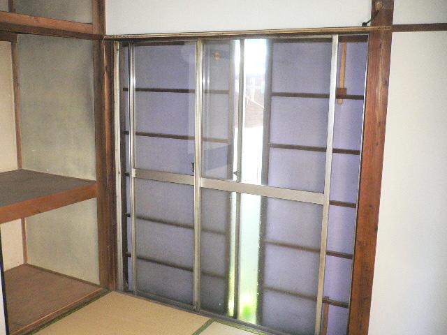 千代松荘 102号室のバルコニー