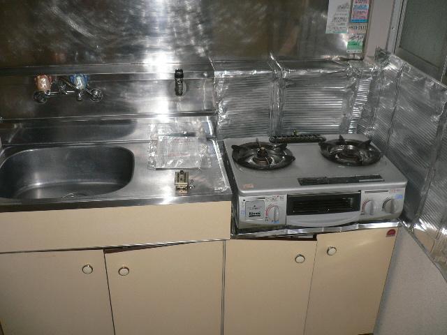 ホワイトパレス 102号室のキッチン