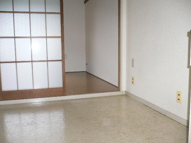 ホワイトパレス 102号室のその他