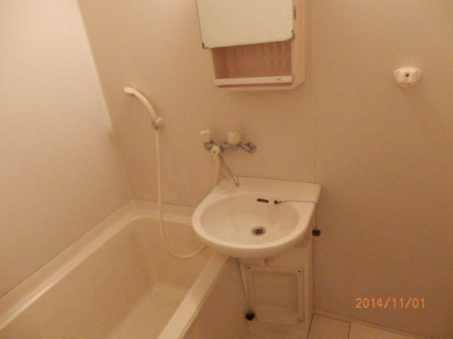 コンフォルト23 203号室の洗面所