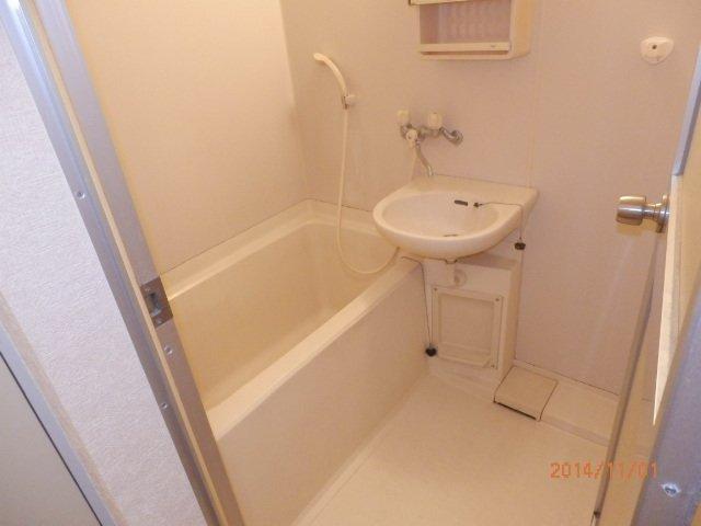 コンフォルト23 203号室の風呂
