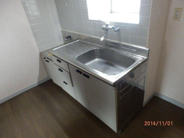 コンフォルト23 203号室のキッチン