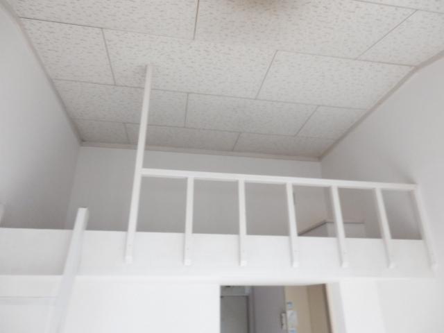 ホワイト中町 105号室の収納