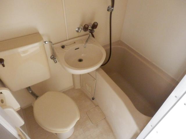 ホワイト中町 105号室の風呂
