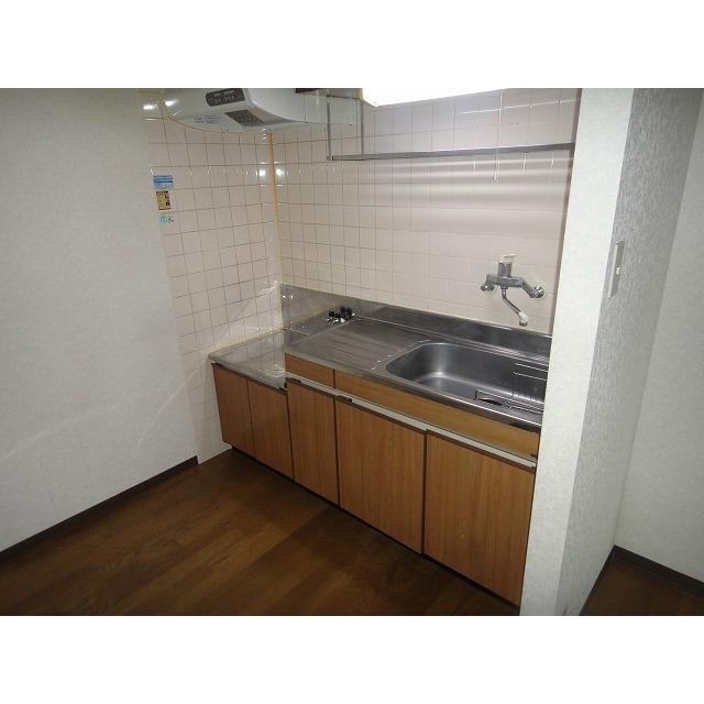 アゼリアコート 404号室のキッチン