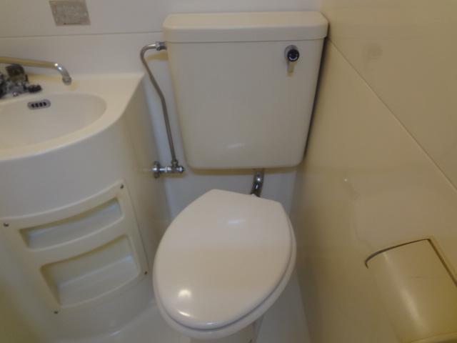 コーポ二葉2号B棟 102号室のトイレ