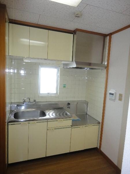 大嶽マンション 203号室のキッチン