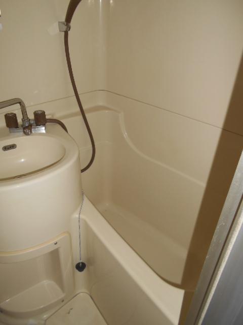 メゾンド沢田や 201号室の風呂