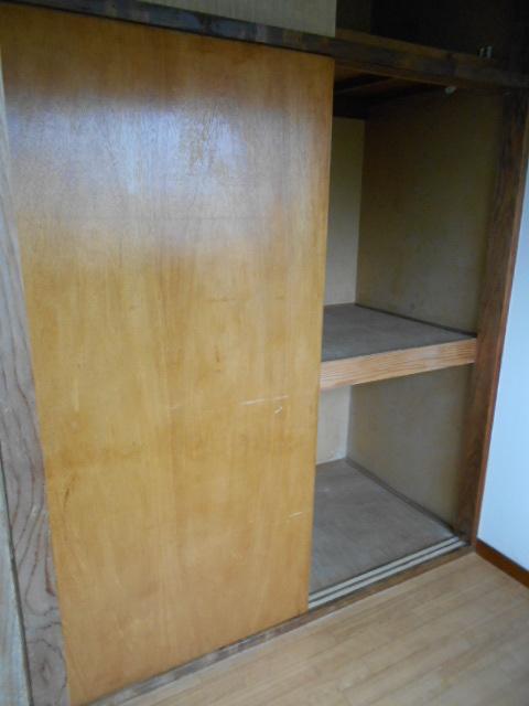 メゾンド沢田や 201号室の収納