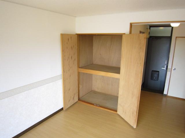 栢森ハイツA 203号室の収納